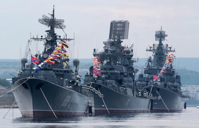 военные корабли в севастополе - Севастополь + Малахов Курган