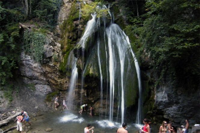 Джур-Джур - Водопад  Джур-Джур + ванны и каскады реки Арпат