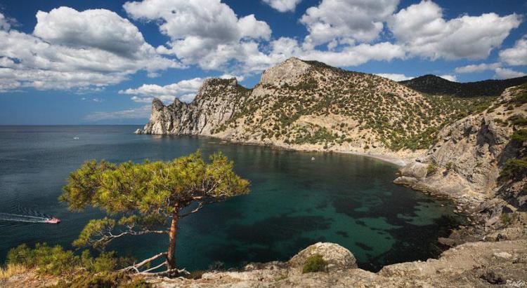 Бухта Голубая в Новом Свете - Юго-Восточный Крым