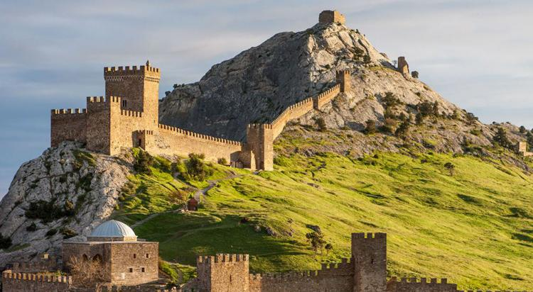 Генуэзская крепость в судаке - Судакская Крепость