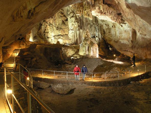 зал в мраморной пещере - Карстовые пещеры Чатыр-Дага