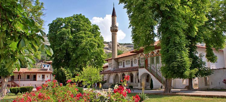 Бахчисарай. Дворец - Крымская кругосветка  (для групп от 6 чел)