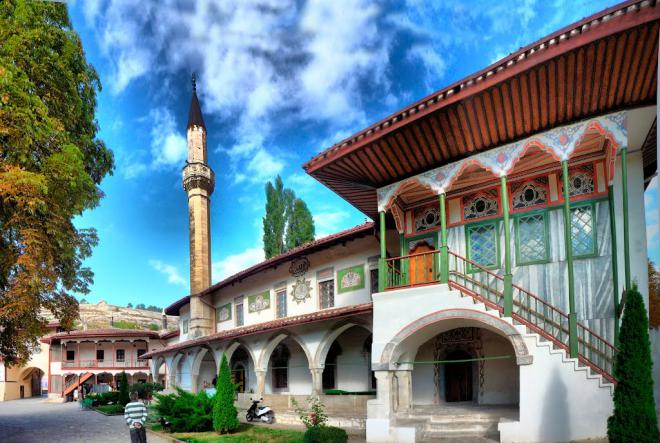 Ханский дворец в Бахчисарае - Крымская кругосветка  (для групп от 6 чел)