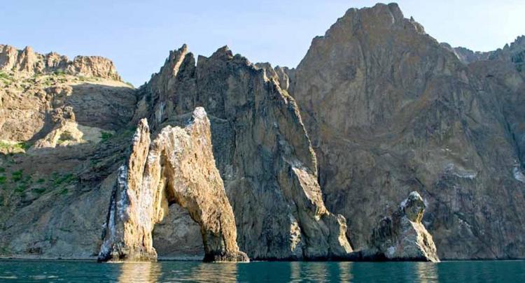 Потухший вулкан Карадаг. Золотые ворота - Крым глазами кинолюбителя