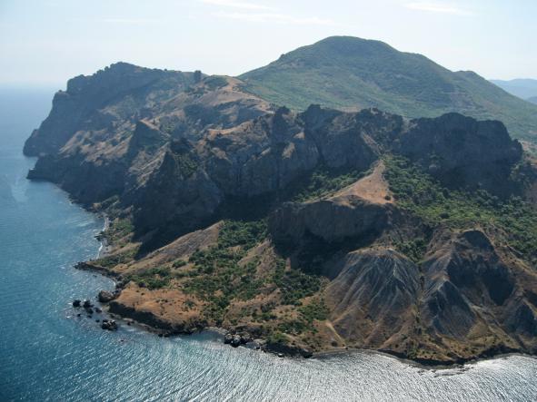 карадаг - К  потухшему  вулкану  Кара-Даг