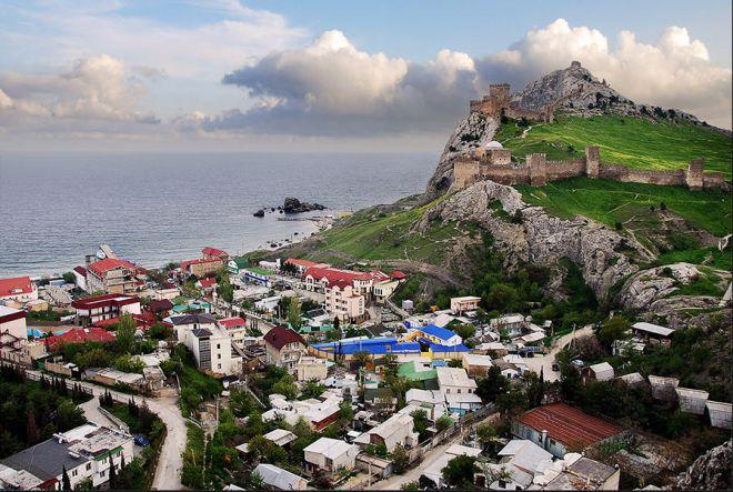 Город в Крыму. Судак - Винный тур