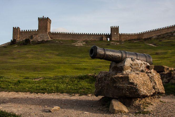 Судакская крепость - Майские праздники в Крыму